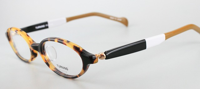 谷口眼鏡製 TURNING plama (ターニング・プラマ)_e0200978_3434282.jpg