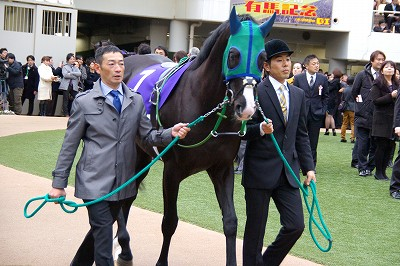 有馬記念は、ゴールドアクターが4連勝で人馬共に悲願のGI初制覇!_b0015386_0282548.jpg