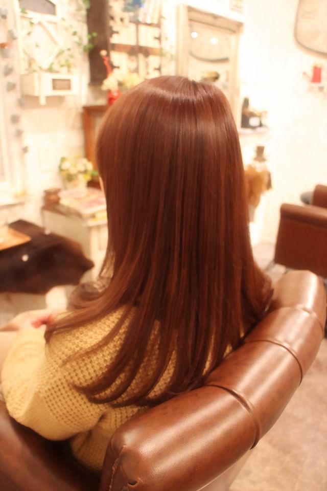 髪に艶を出すカットとは。。。。。_b0210688_1259624.jpg
