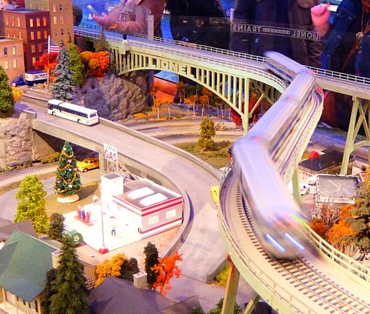 NY地下鉄博物館のホリデー・トレイン・ショー 2015_b0007805_1283627.jpg