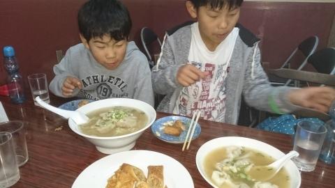 息子たちと、今年最後の神戸に行ってきました~♪(^o^)/_d0191262_11214359.jpg