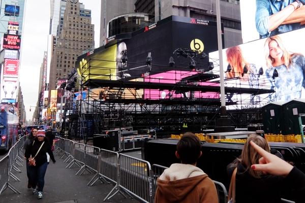 タイムズ・スクエア年越しカウントダウン・イベント情報 Times Square New Year\'s Eve LIVE 2015 - 16_b0007805_20555010.jpg