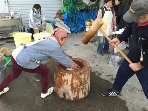 blog:餅つき大会 #師走 #もちつき #豚汁 #甘酒 #おしるこ #キューバ #ソン_a0103940_09270545.jpg