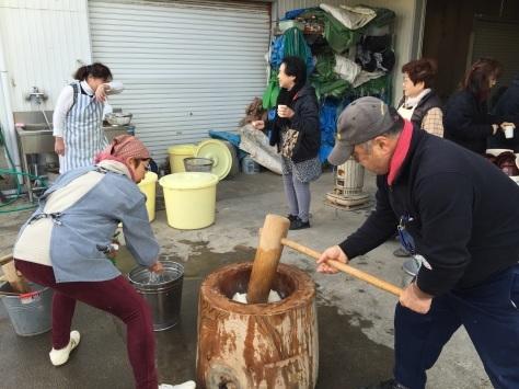 blog:餅つき大会 #師走 #もちつき #豚汁 #甘酒 #おしるこ #キューバ #ソン_a0103940_09372726.jpg