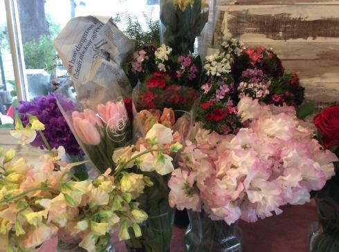 追加の花が遅れてさっき届きました😅_b0137969_10205557.jpg