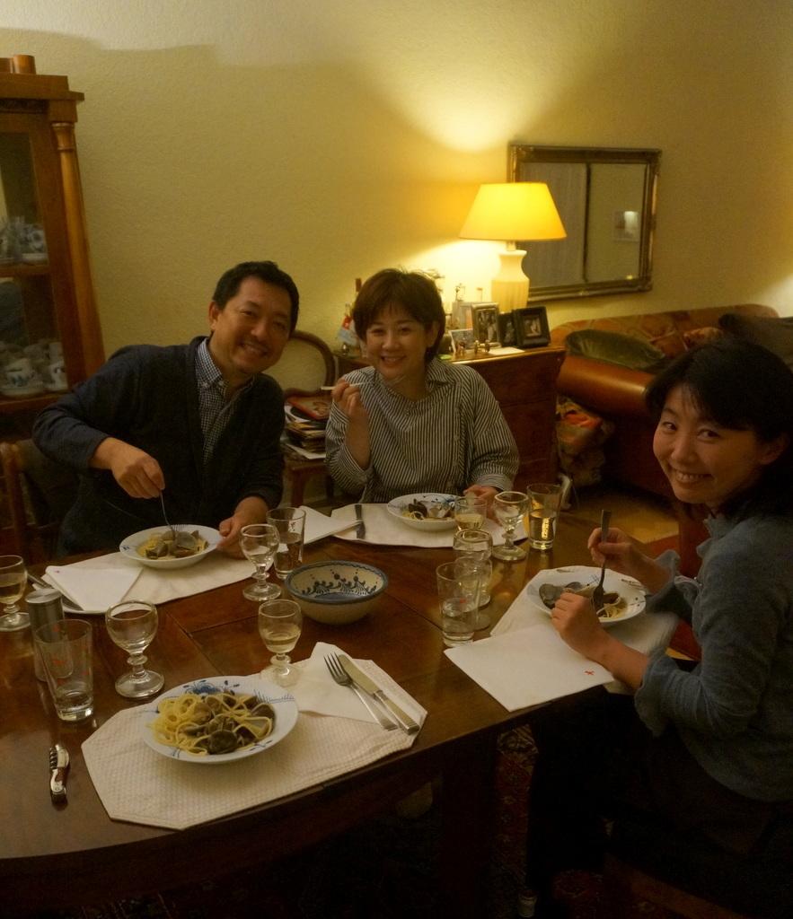 12/9 CX新支局長ご夫妻と「さーて何を食おうかな?」_c0180686_07464716.jpg