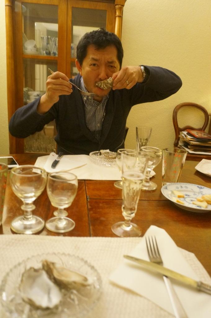 12/9 CX新支局長ご夫妻と「さーて何を食おうかな?」_c0180686_07465574.jpg