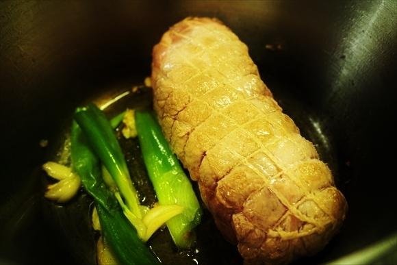 ◆ダッチオーブンで簡単チャーシュー(煮豚)・お正月編 (COOKPAD連携)_b0008655_19324667.jpg
