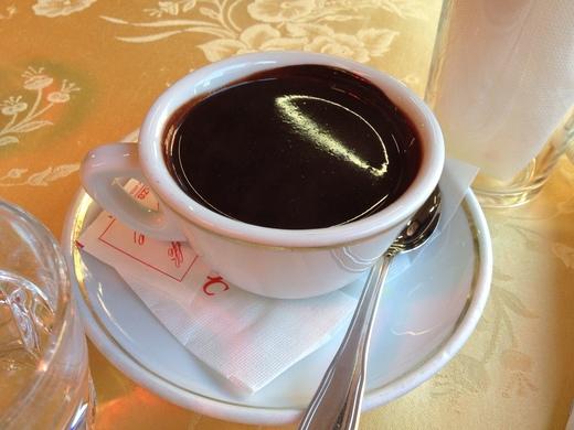 寒い日は老舗のバールでホット・チョコレート_a0136671_4133249.jpg