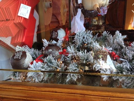 寒い日は老舗のバールでホット・チョコレート_a0136671_4164383.jpg