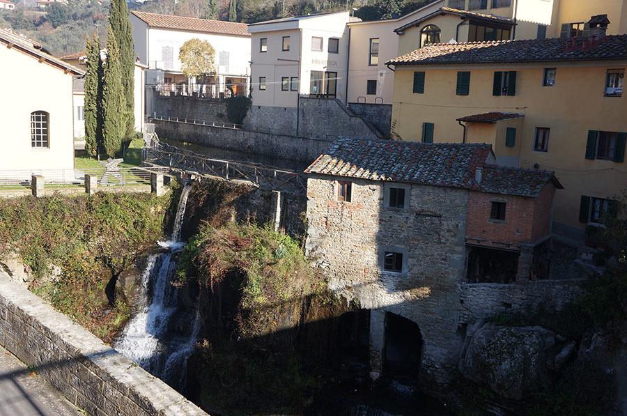 アレッツォ周辺のトスカーナの小さな村_f0106597_04041036.jpg