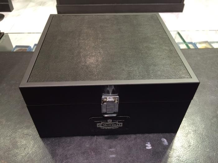 シューケア用品の収納BOXを限定販売_b0226322_12214709.jpg