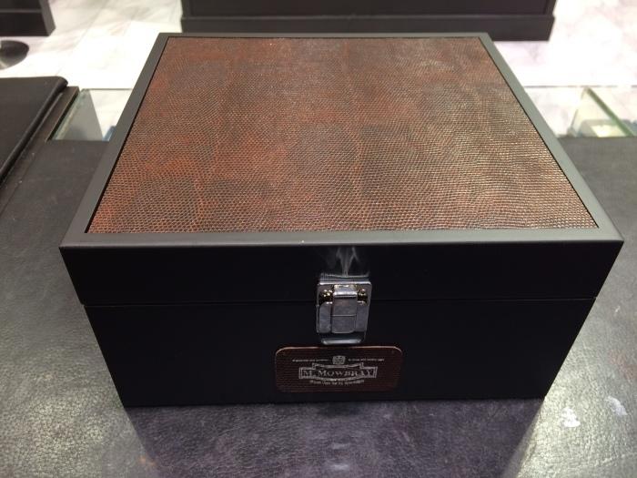 シューケア用品の収納BOXを限定販売_b0226322_12252869.jpg