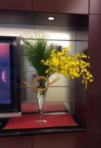 新春初仕事はレクサス宮崎の花装飾_b0137969_21513840.jpg