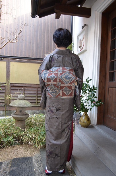 大島紬で、ご友人との新年会へ_d0230676_15232285.jpg