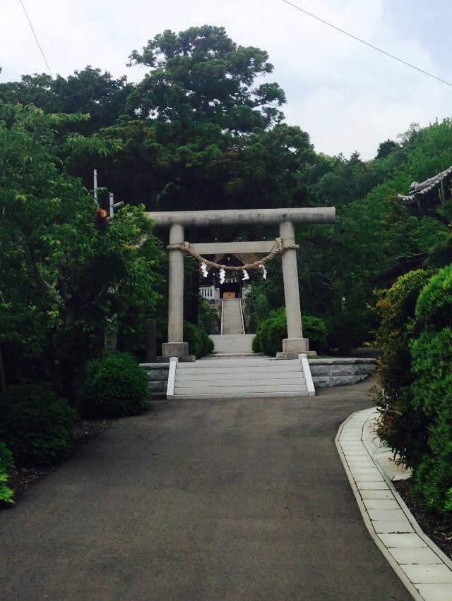 高家(たかべ)神社_b0162386_22201179.jpg