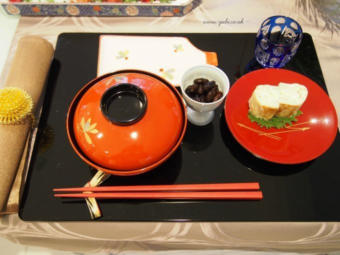 今更ですが、我が家の元日の(お粗末な。^^;)食卓。。。(大汗)_b0313387_07381730.jpg