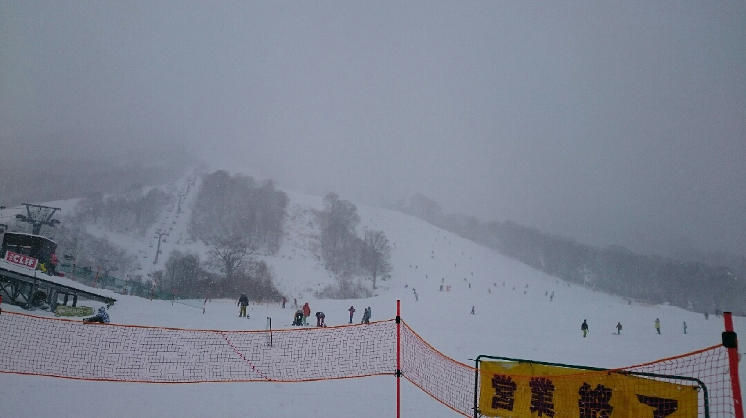 2016年度初滑りは越後湯沢神楽で_c0242406_1611484.jpg