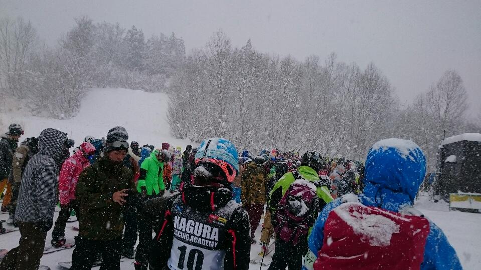 2016年度初滑りは越後湯沢神楽で_c0242406_168773.jpg