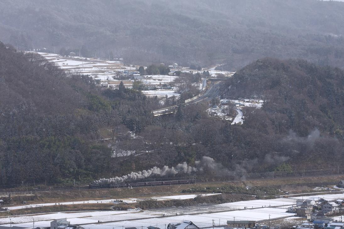 雪舞う上州を汽車が走る - 2015年・上越線 -   _b0190710_2381715.jpg