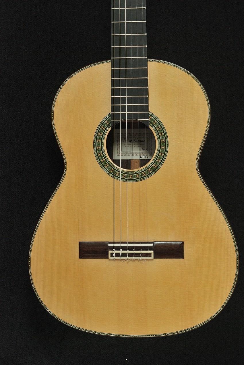 コンデのギター手がけて40数年_c0330563_17594708.jpg