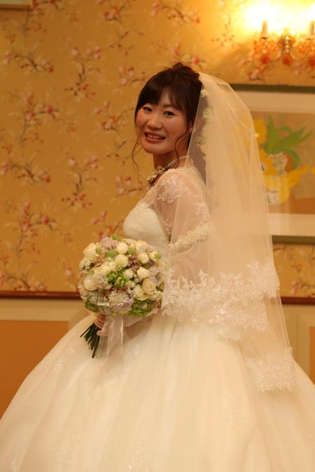 新郎新婦様からのメール HANZOYAの花嫁様より 挙式装花、色褪せぬ愛のシェアブーケ_a0042928_20235116.jpg