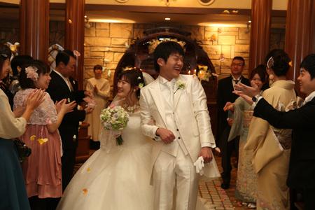 新郎新婦様からのメール HANZOYAの花嫁様より 挙式装花、色褪せぬ愛のシェアブーケ_a0042928_20245661.jpg