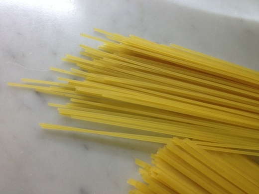 スパゲッティさんとボンゴレさん_a0136671_0475946.jpg