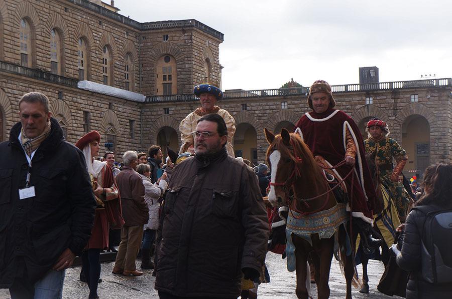 1月6日のフィレンツェは三博士の騎馬行列_f0106597_07074840.jpg