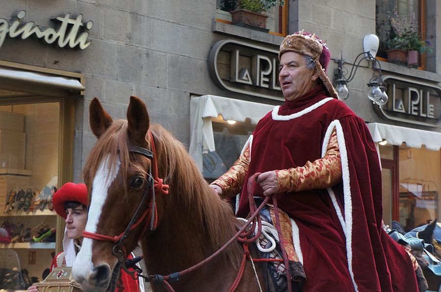 1月6日のフィレンツェは三博士の騎馬行列_f0106597_07083740.jpg