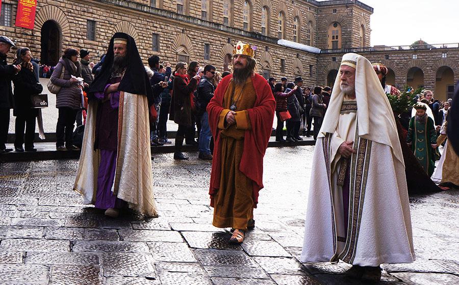 1月6日のフィレンツェは三博士の騎馬行列_f0106597_07124429.jpg