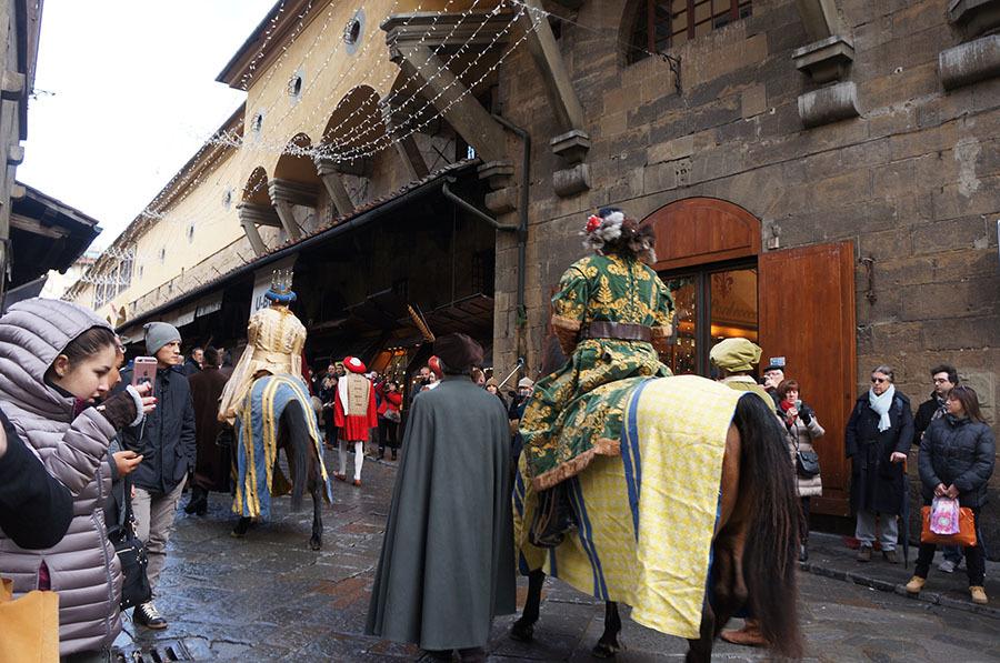 1月6日のフィレンツェは三博士の騎馬行列_f0106597_07170462.jpg
