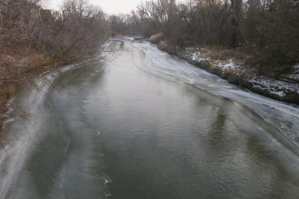 凍った川_d0000995_11331567.jpg