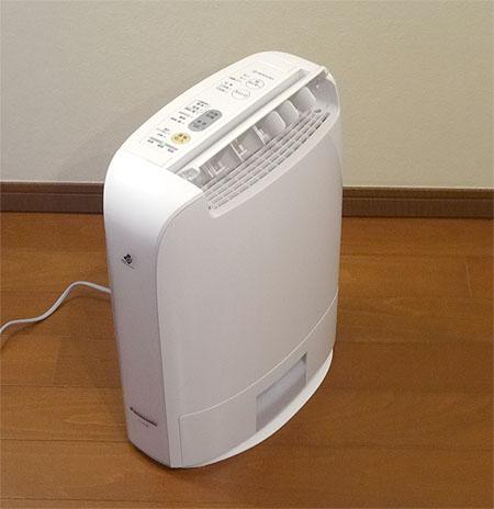 アコギの湿度管理 「除湿機と加湿器を買いました」 _c0137404_1849569.jpg