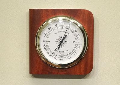 アコギの湿度管理 「除湿機と加湿器を買いました」 _c0137404_206716.jpg