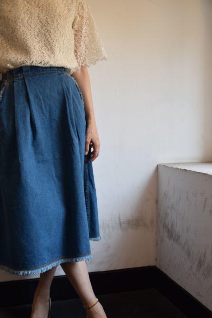 Kaonのフレアスカートで   ・ ・ ・_b0110586_18531409.jpg