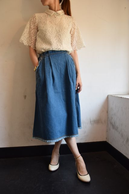 Kaonのフレアスカートで   ・ ・ ・_b0110586_18532470.jpg