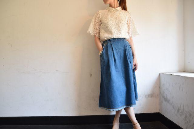 Kaonのフレアスカートで   ・ ・ ・_b0110586_19021897.jpg