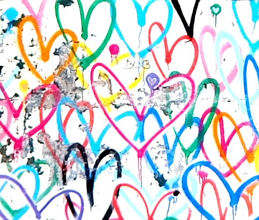 ハートいっぱいのNYの街角アート、「ラブ・ウォール」(Love Wall)by James Goldcrown_b0007805_22402672.jpg