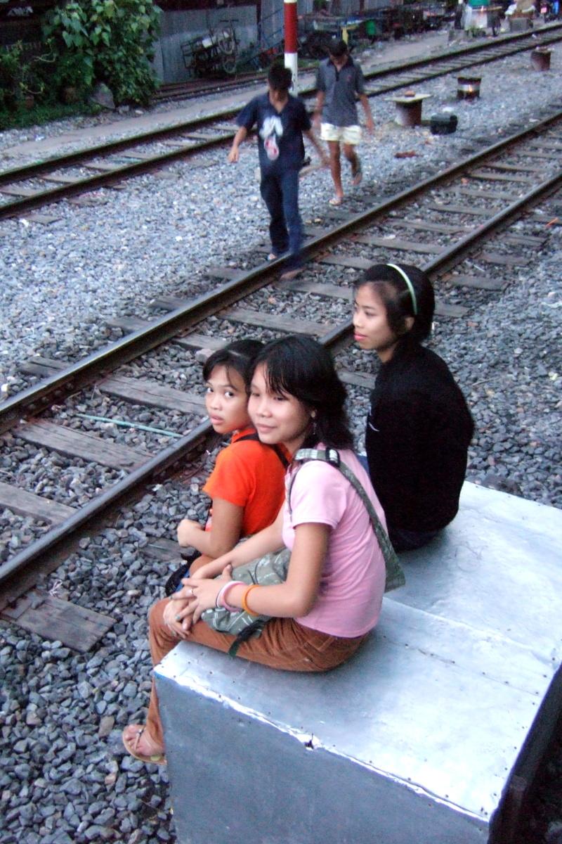 バンコク  沿線風景_b0061717_10492616.jpg