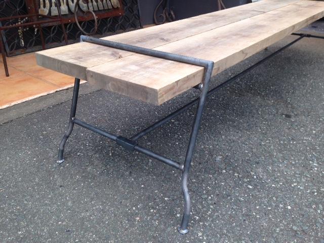 古い足場板を使った家具_f0176350_154018100.jpg