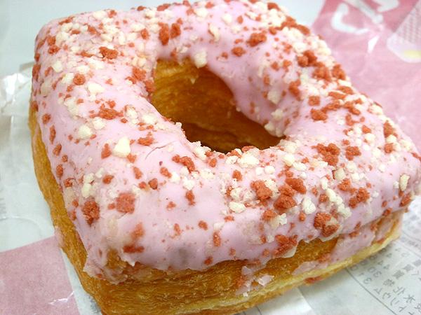 【菓子パン】ドーワッツ いちご@ヤマザキ_c0152767_21522590.jpg