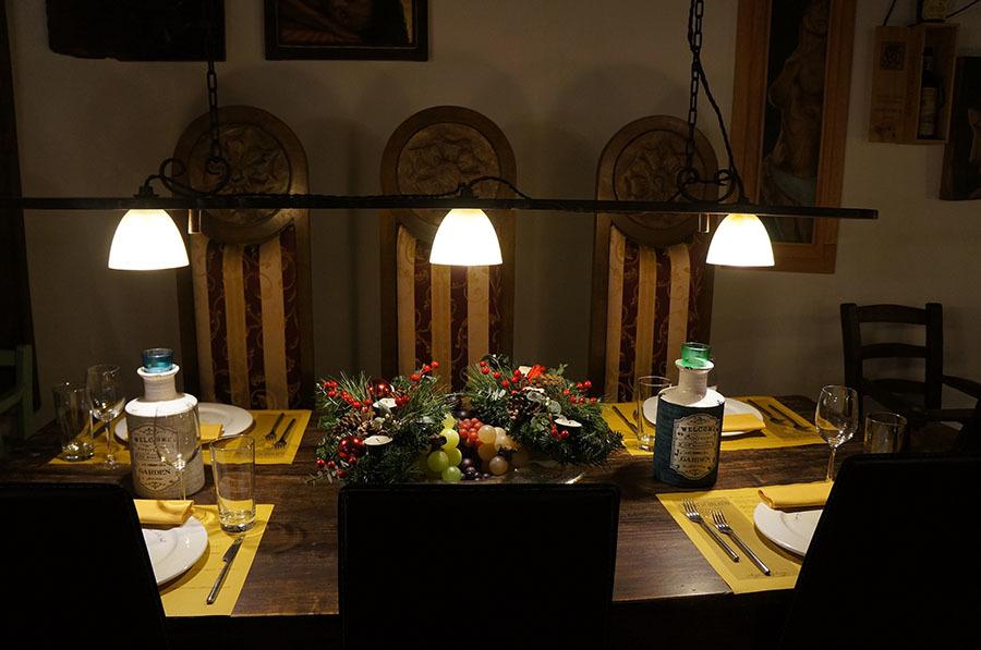 イタリアでもっとも美しい村の1つ、アンギアーリ_f0106597_06580646.jpg