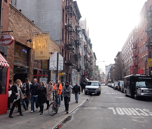 ニューヨーク、ノリータの風情たっぷりな街角風景_b0007805_10561755.jpg