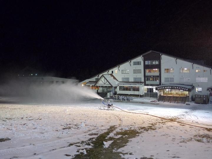 スキー場降雪続く_d0012134_0332196.jpg