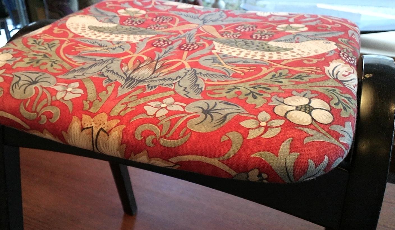 椅子の張替え ウィリアムモリス_c0157866_216093.jpg