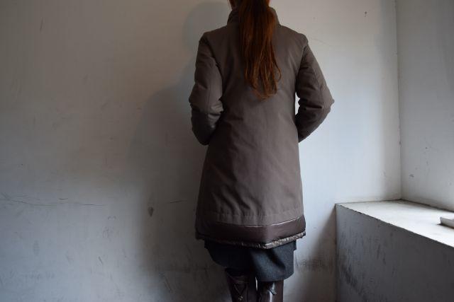 コートの名手 HERNOより   ・ ・ ・_b0110586_18532116.jpg