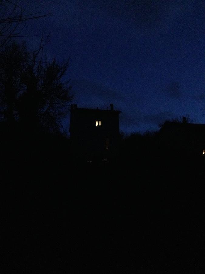 フィレンツェの街のキラキラと我が家の森の灯り_f0106597_18212376.jpg