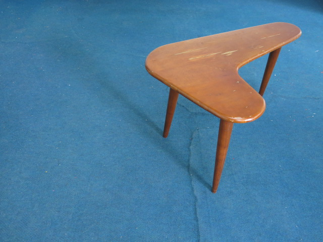 """Un Known Small Side Table Boomerang Shape #FAIR\""ってこんなこと。_c0140560_1040543.jpg"