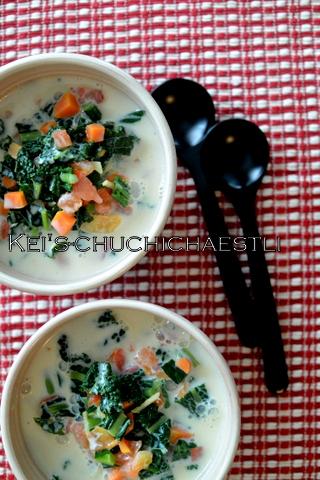 ケールなどの野菜が沢山入った豆乳スープ_c0287366_192957.jpg